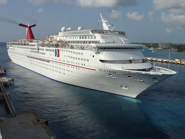 Carnival_Ecstasy_in_Cozumel_6_Aug_2005