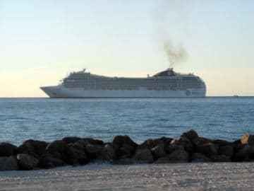 Cruise Ship Runs Aground Off Bahamas