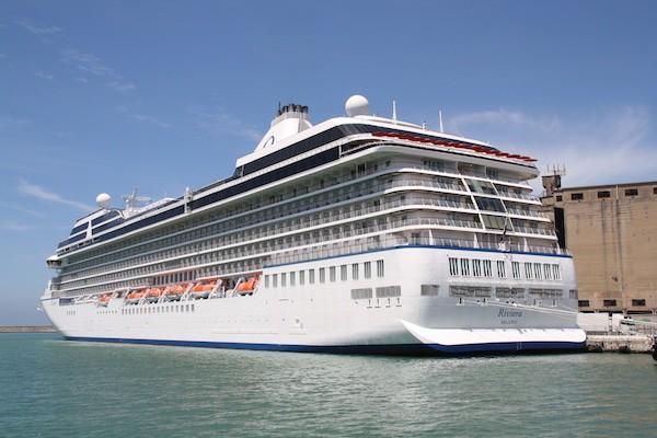 Episode: Oceania Cruises 'Riviera' 2012 + Cruise News