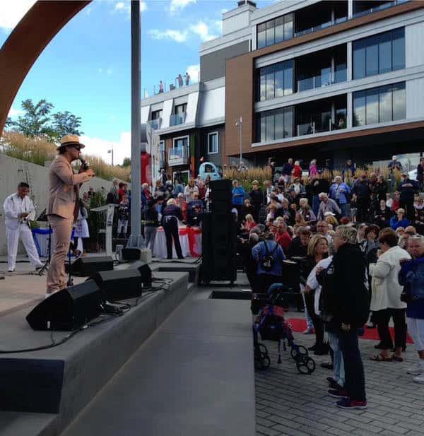 Dominique Hudson performs. photo: Saguenay Port's Facebook page