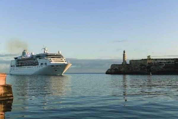 Royal Caribbean Makes Inaugural Call to Havana