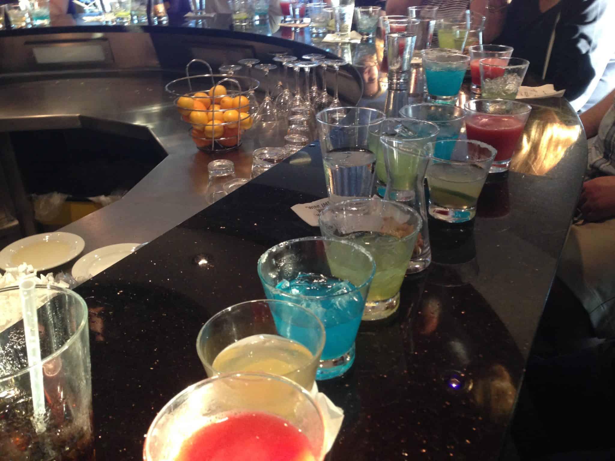 drinks margaritas tasting bar