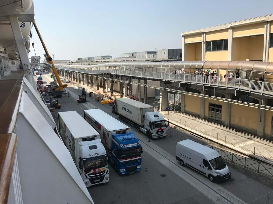 food trucks at cruise dock
