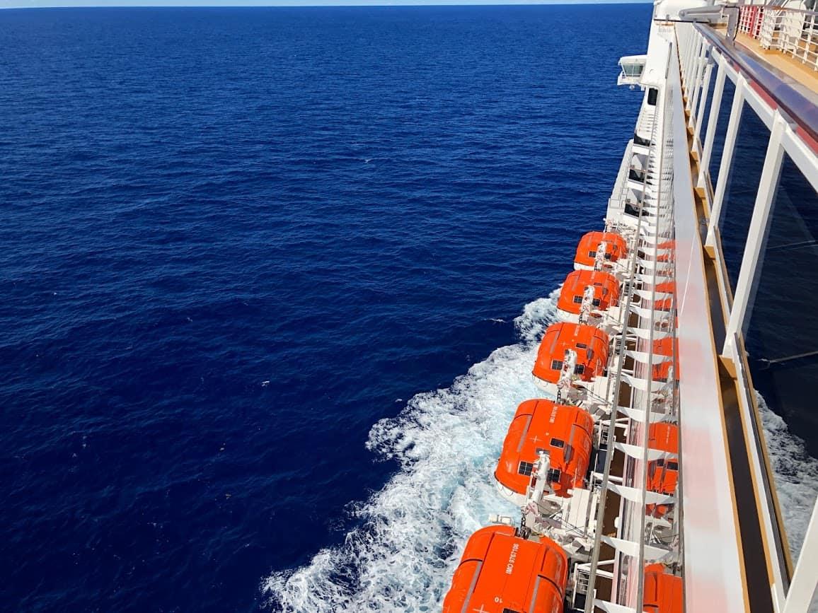 cruise sea day