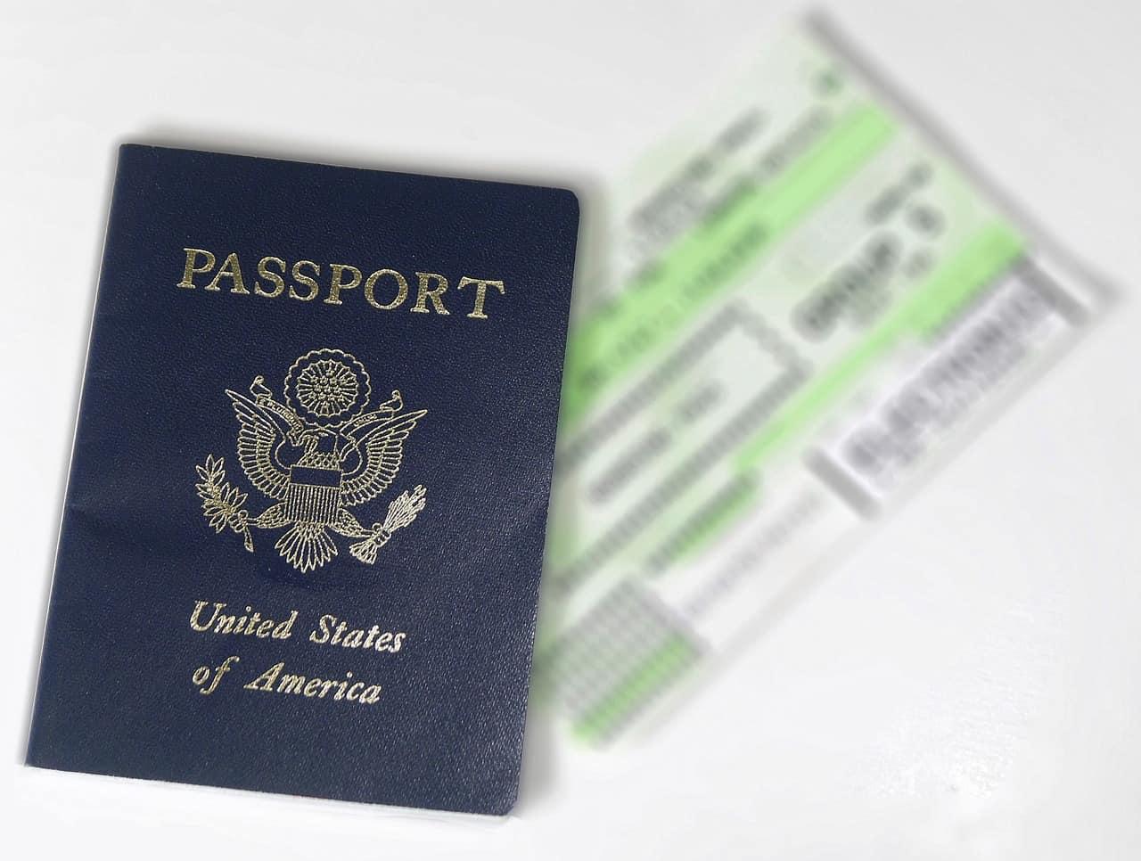 US passport airline ticket