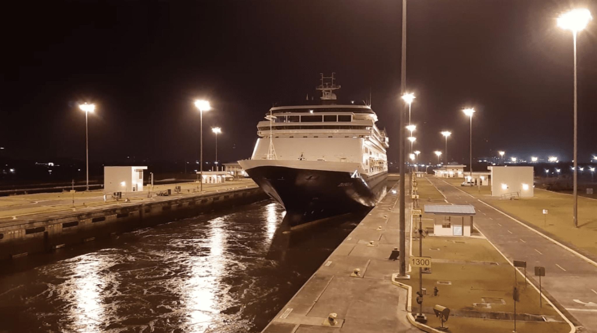 Zaandam Canal de Panamá