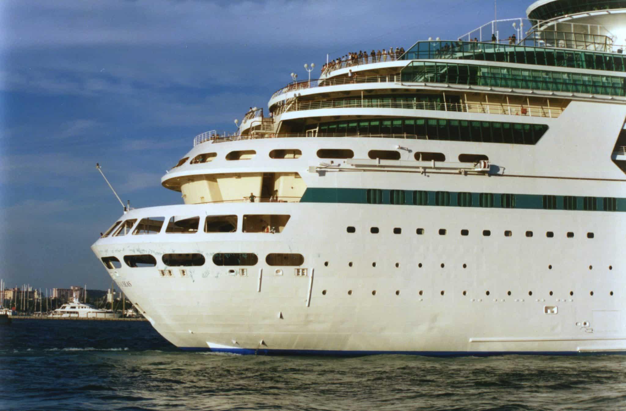stern cruise ship sailing