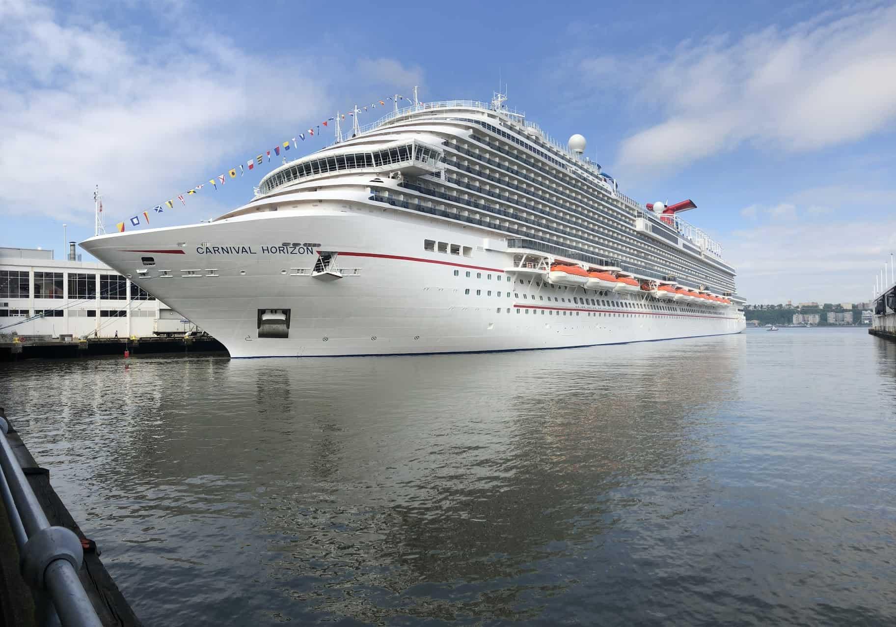 carnival horizon docked