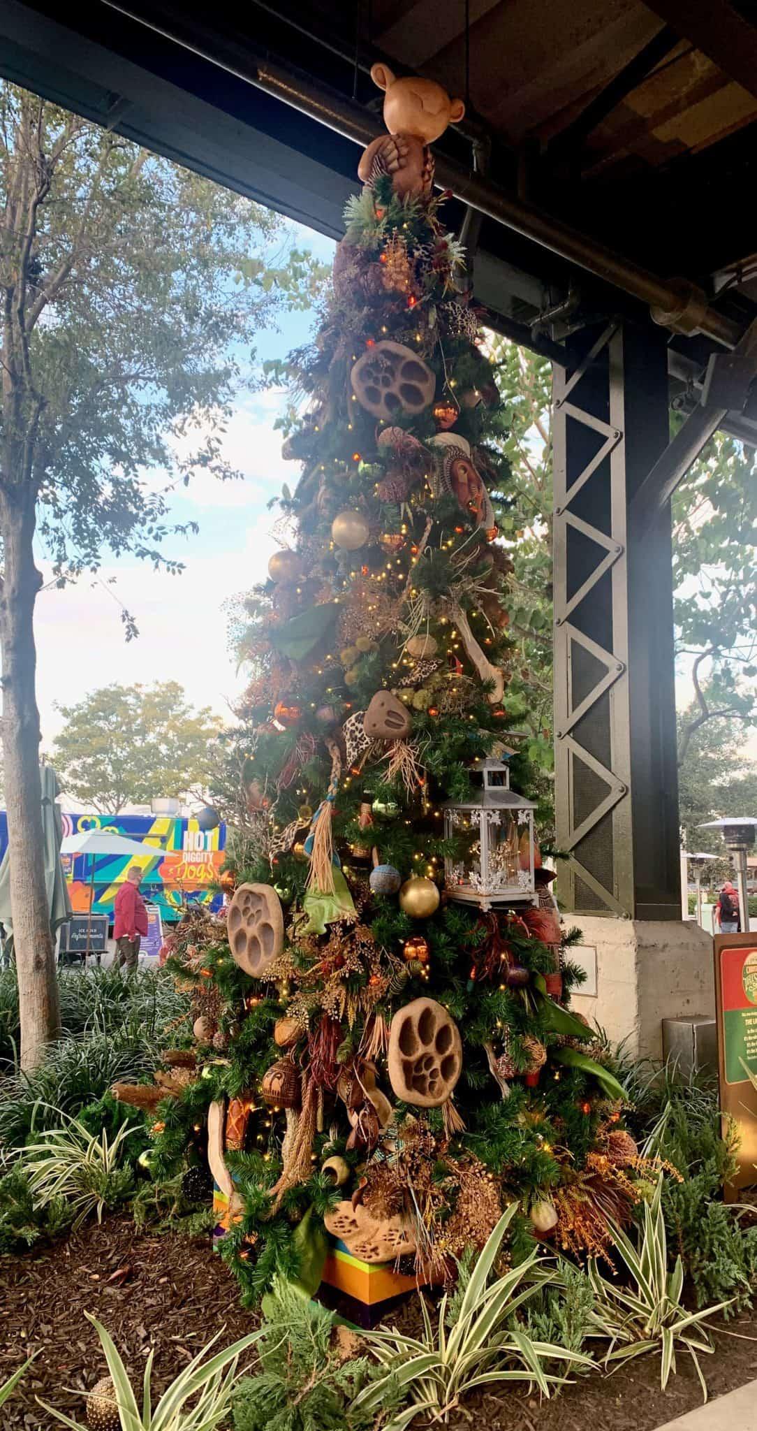 disney springs christmas tree stroll 2020 lion king