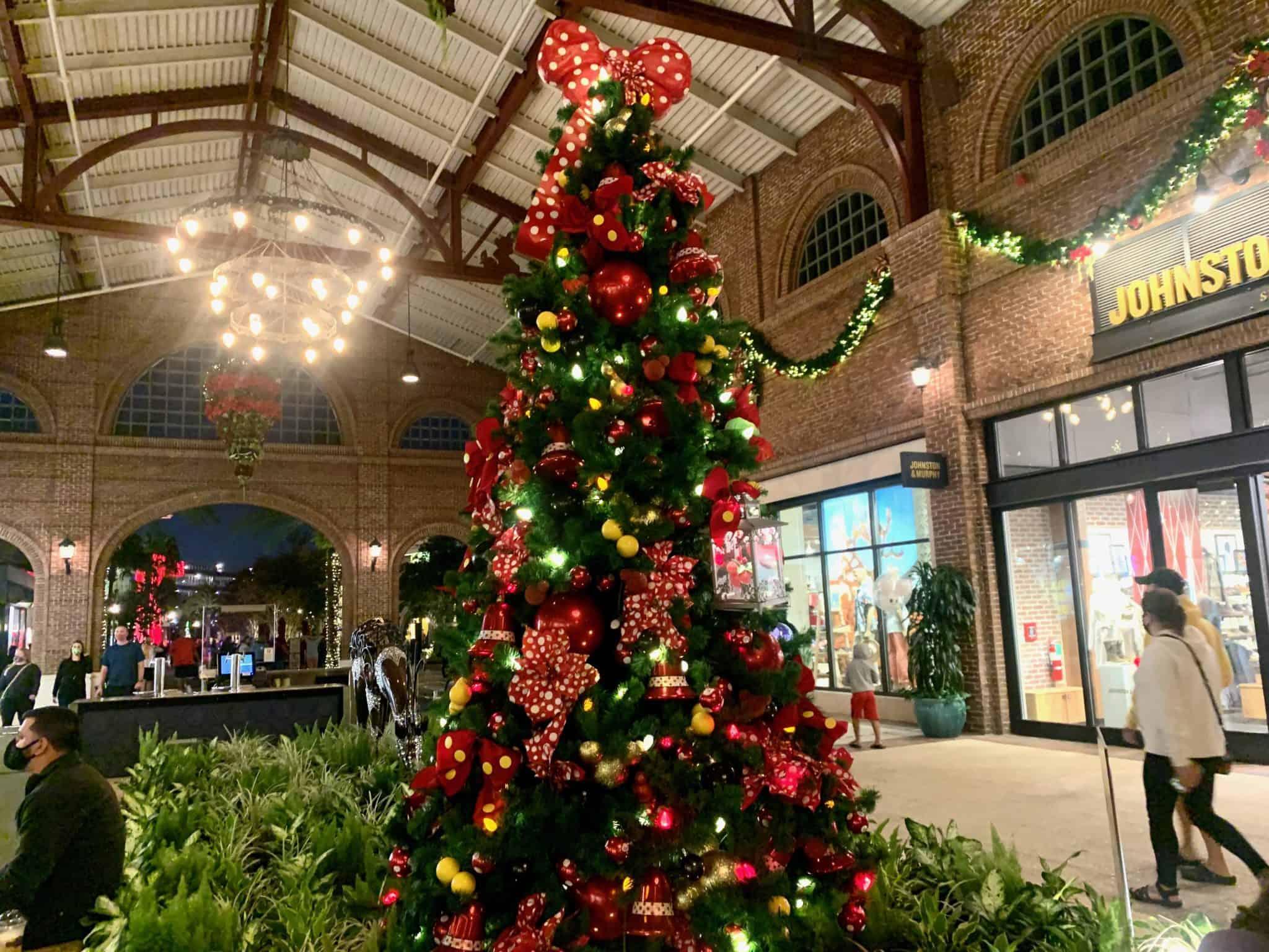 disney springs christmas tree stroll 2020 mickey minnie