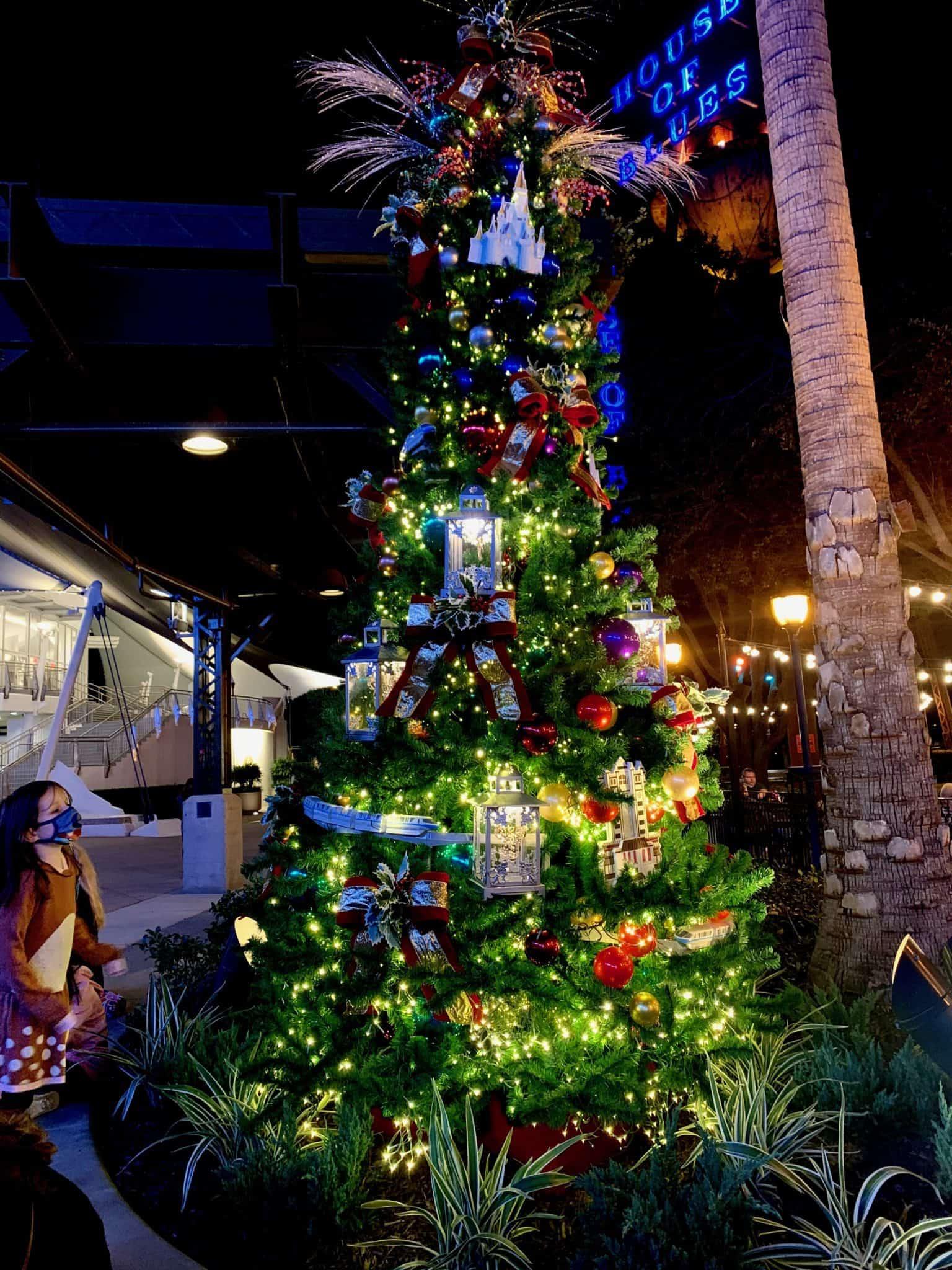 disney springs christmas tree stroll 2020 parks tree