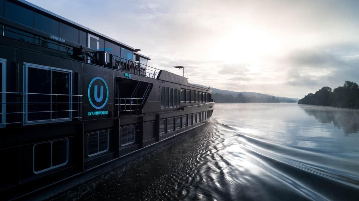 the b uniworld river cruise