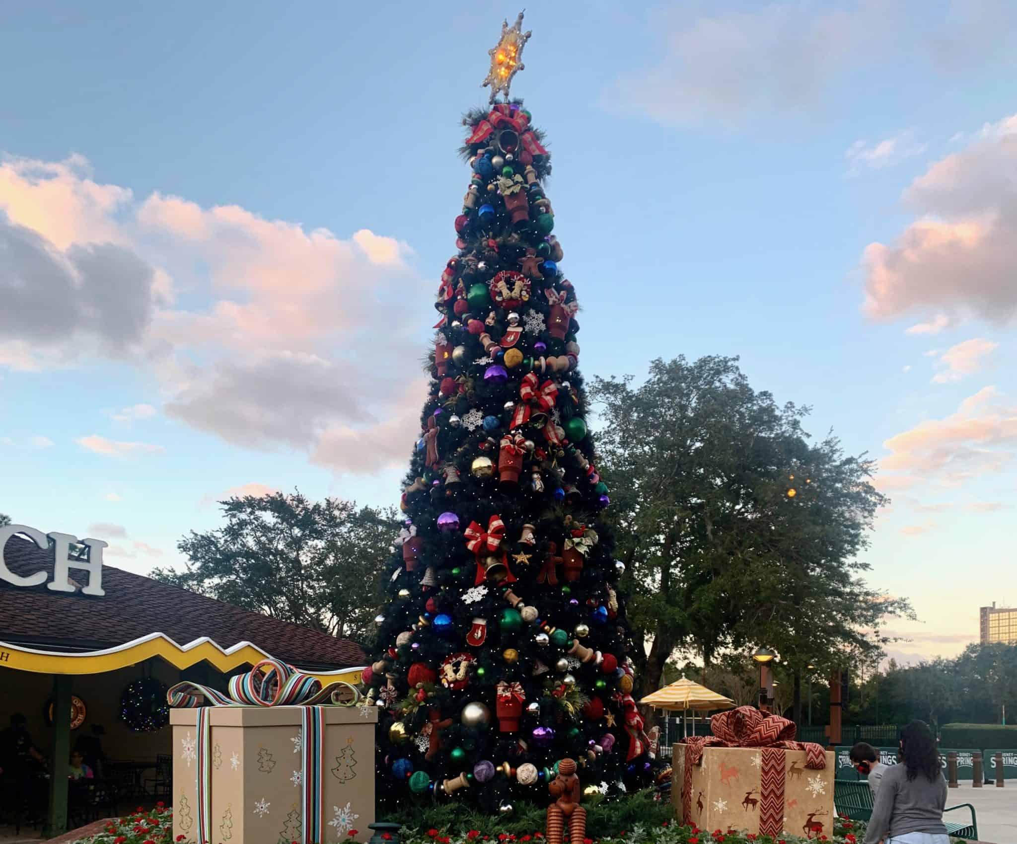 disney springs christmas decorations TREE