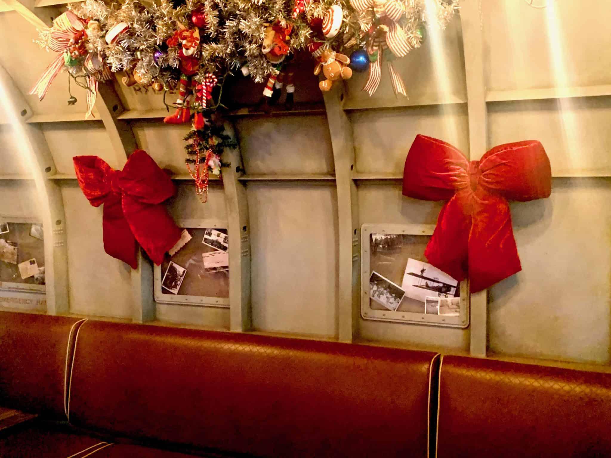 jock lindsey's holidays bar disney springs