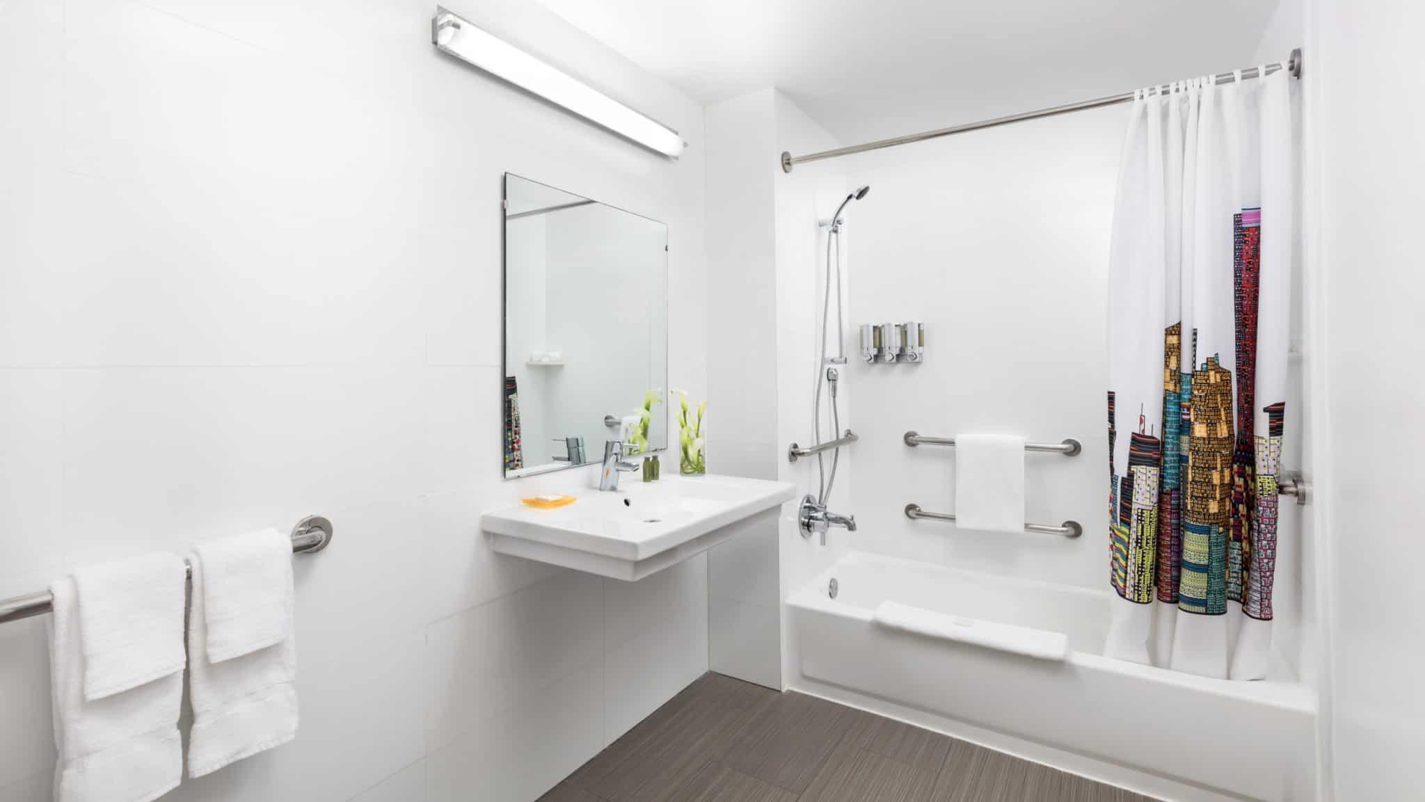YVE Hotel Miami bathroom