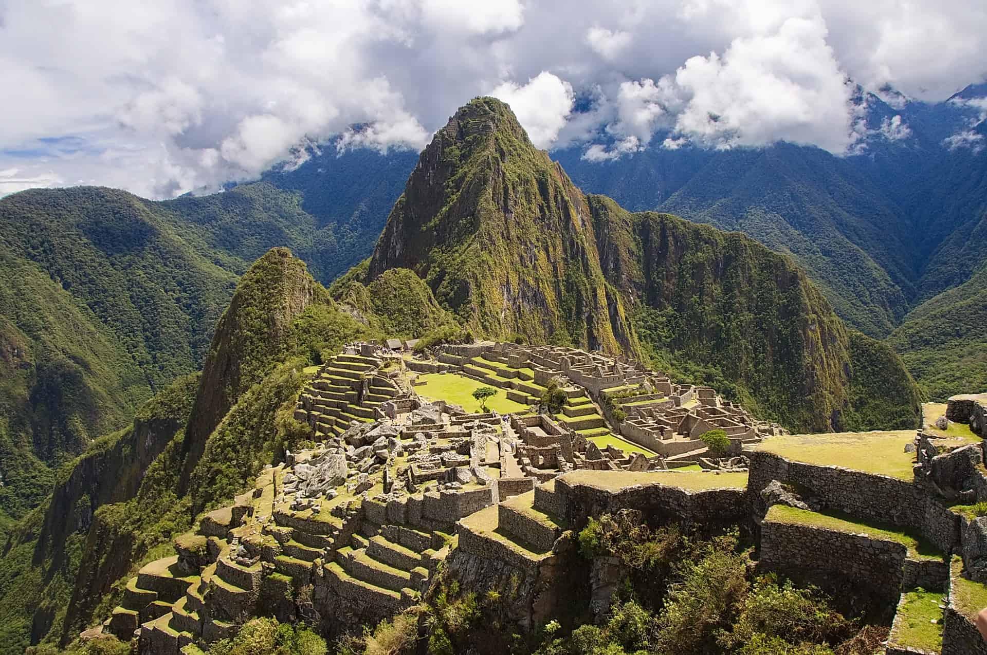 machu picchu peru mountains