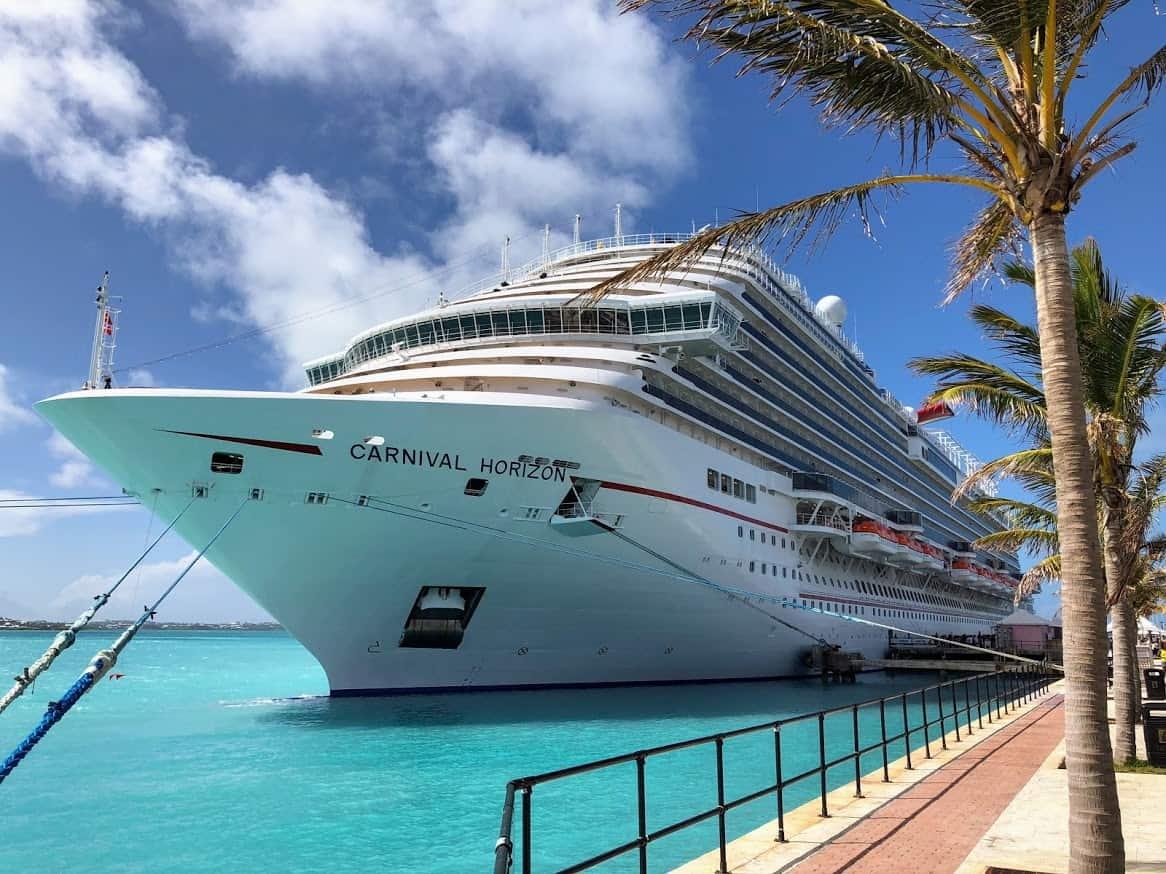 carnival horizon docked in bermuda