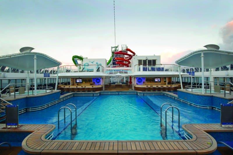 norwegian getaway pool deck