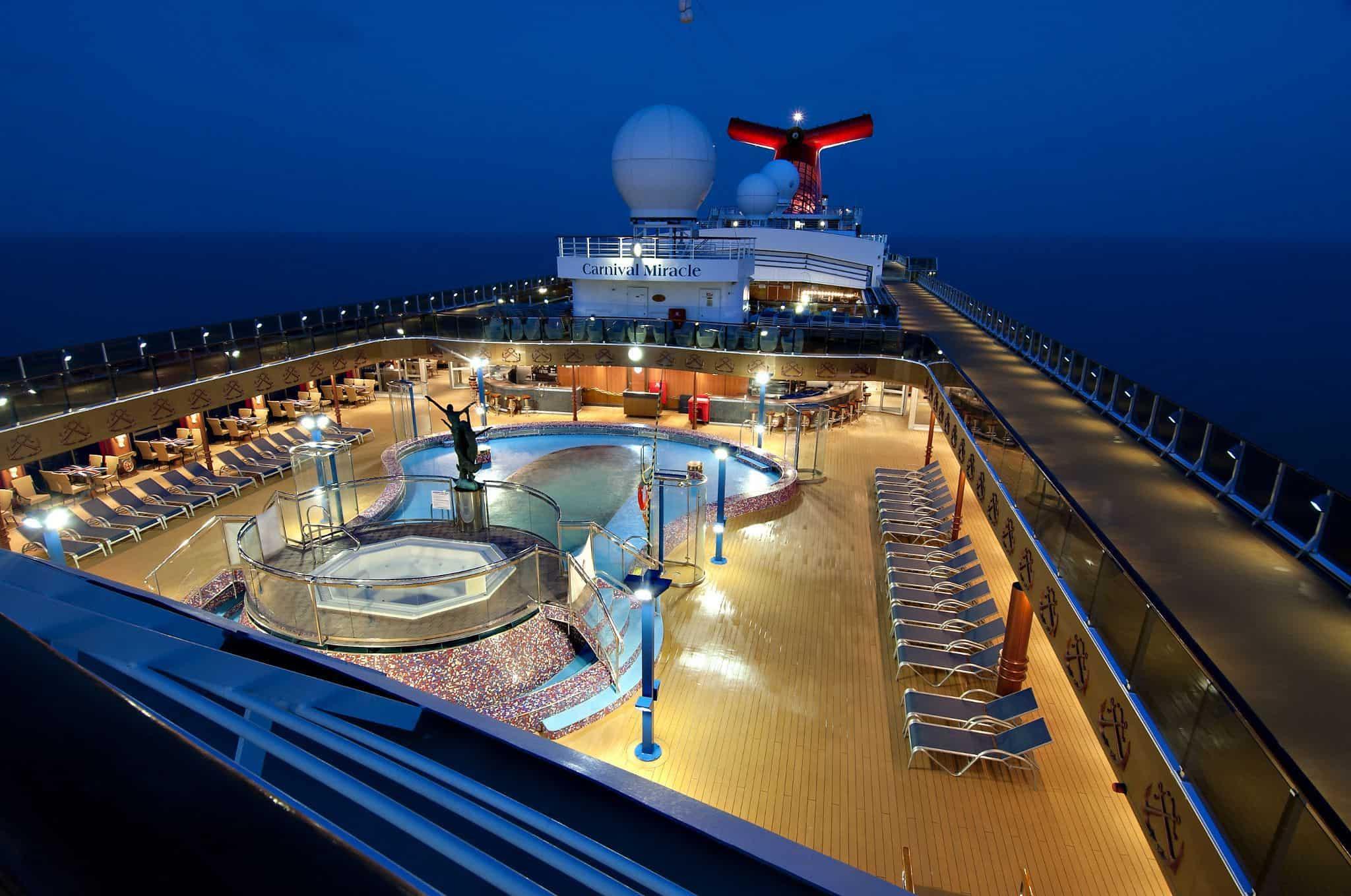 carnival miracle sirens pool