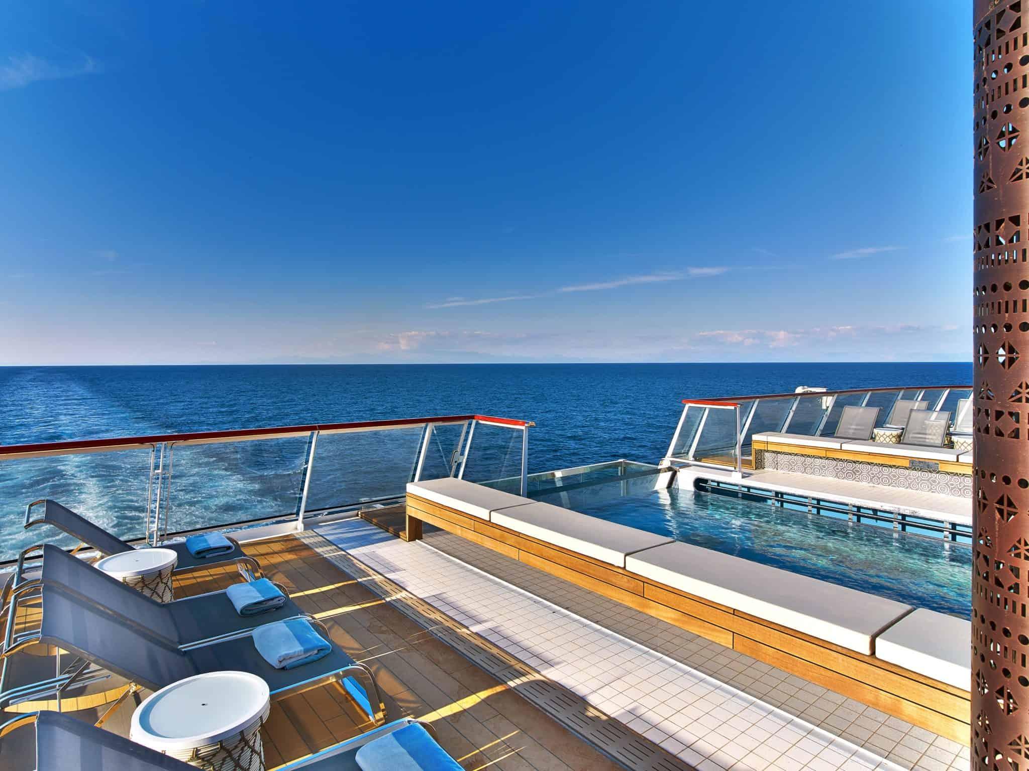 viking cruises infinity pool aft
