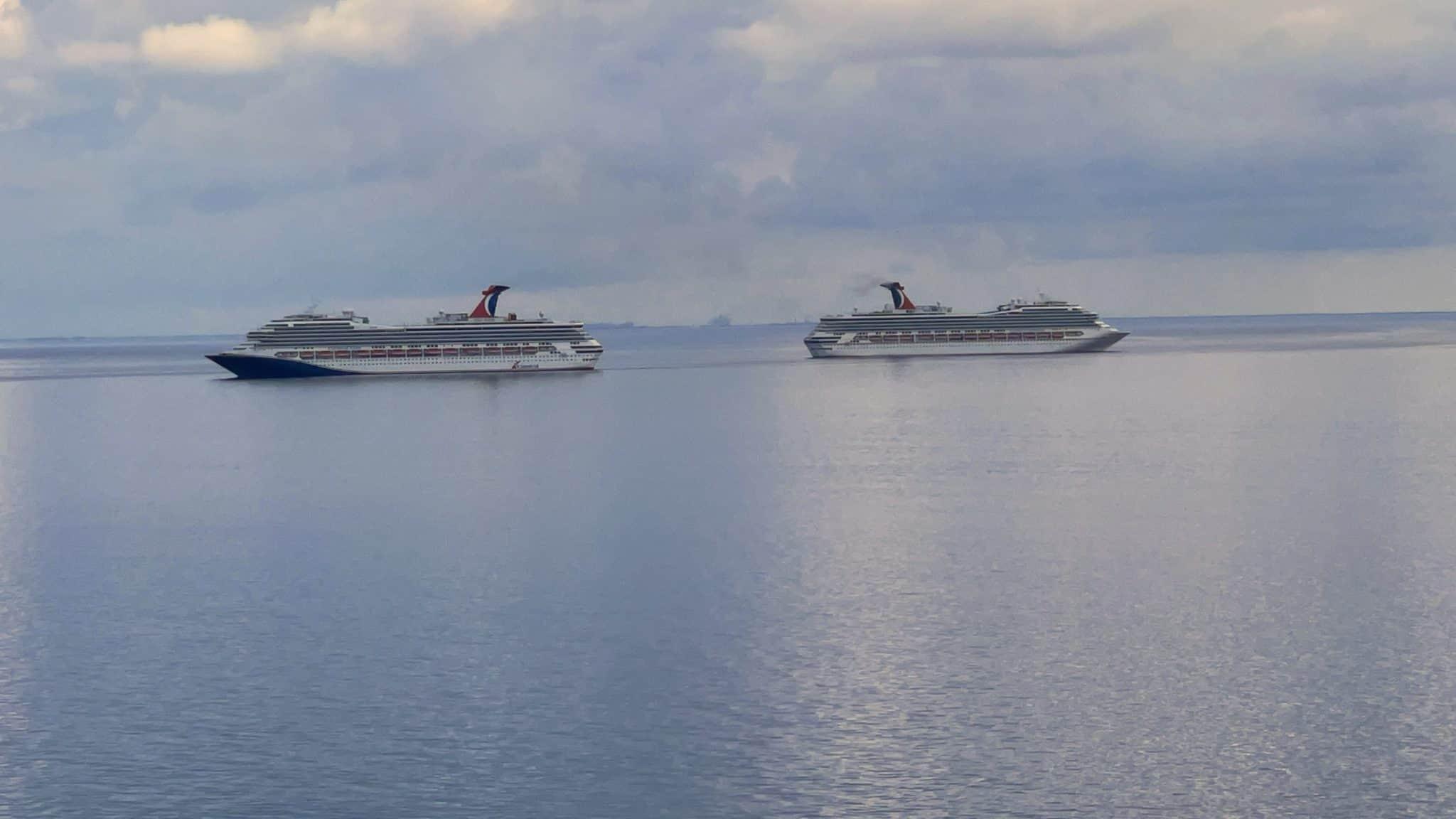 carnival ships off grand bahama island